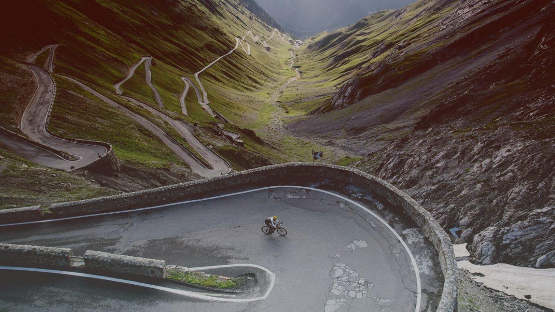 Cycling Stelvio climb