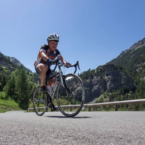 Cycling tour around Annecy